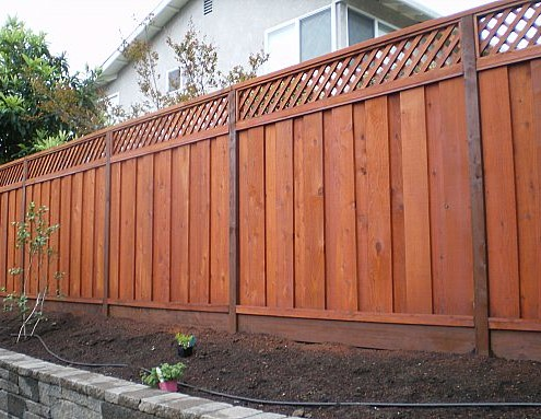 JUMBO LATTICE REDWOOD FENCING